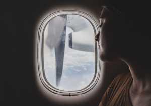 Kenapa Jendela Harus Terbuka Saat Pesawat Lepas Landas dan Mendarat?