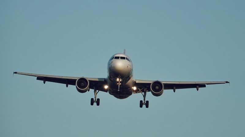 Tips Beli Tiket Pesawat yang Harganya Suka Naik Turun