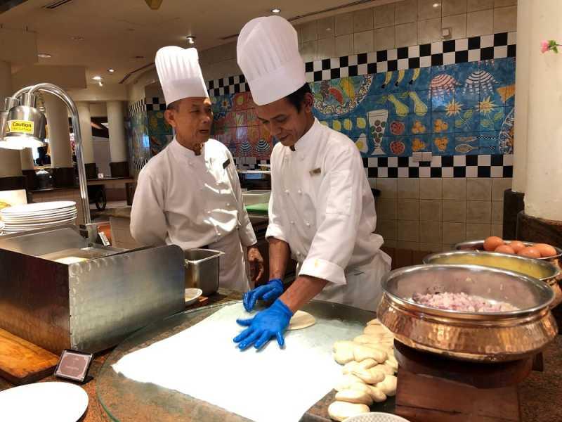 5 Makanan Wajib Coba di <i>Asian Market Café</i>, Restoran Halal di Singapura