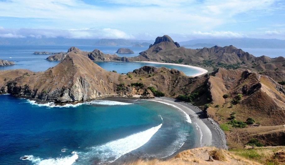 Pulau Komodo Masuk Daftar 10 Pulau Tercantik Dunia Versi CNN