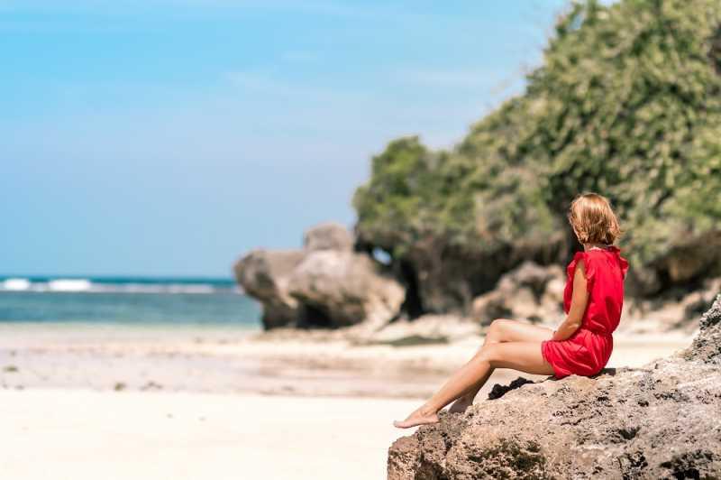 Kalau Kulit Terlanjur Gosong Saat Liburan ke Pantai, Apa yang Harus Dilakukan?