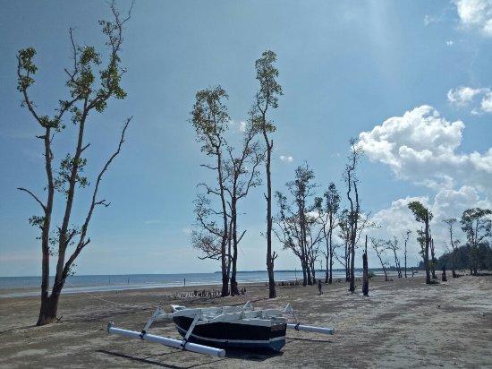 Ambalat Samboja dan Biru Kersik, Dua Pantai Kece di Calon Ibu Kota Baru