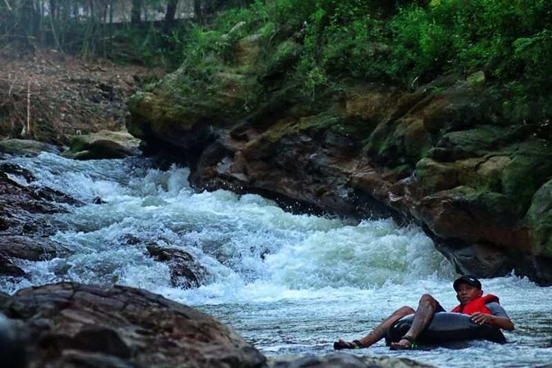 Susur Sungai di Lava Bantal Berbah Yogyakarta, Seru Banget!