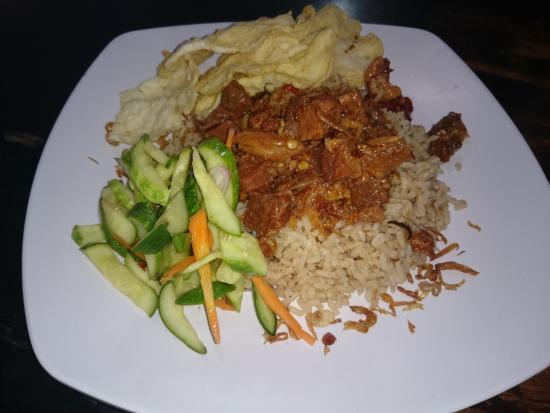 Mudik Lewat Jalan Tol Trans Jawa, Ini Kuliner Wajib Coba di Cilegon