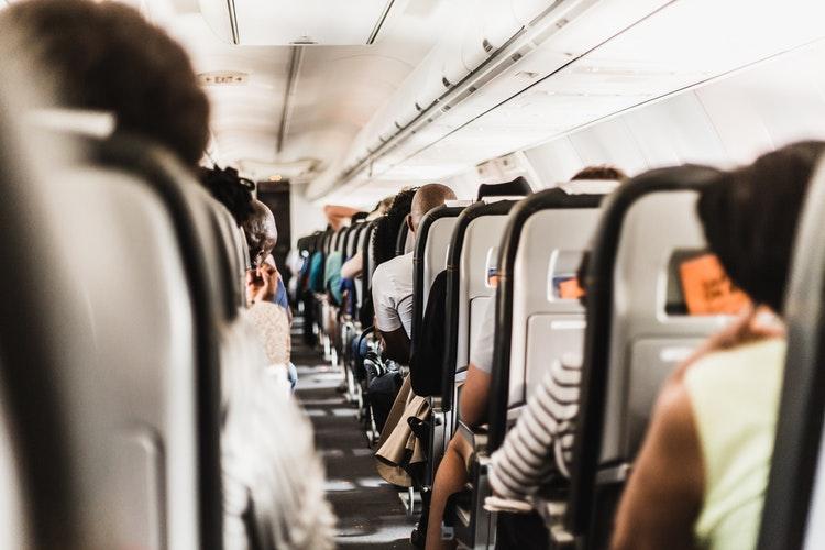 5 Tipe Orang Menyebalkan di Pesawat