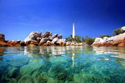 Island hopping di Belitung, Jangan Lupa Berfoto dengan 'Patrick', Ya!