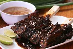 5 Wisata Kuliner Legendaris di Makassar, Lezatnya Bikin Nagih!