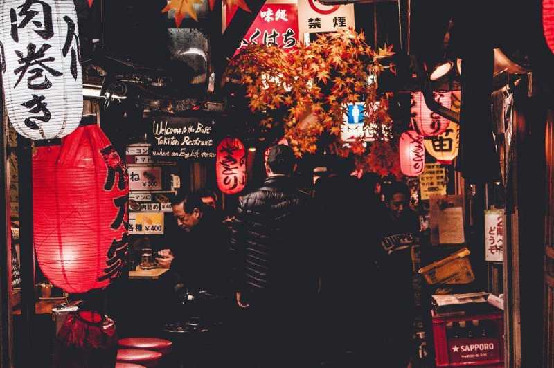 Orang Jepang <i>Tuh</i> Kesal Lihat Turis Makan Sambil Jalan