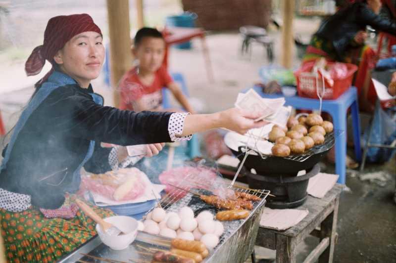 5 Etika Makan dan Minum di Vietnam