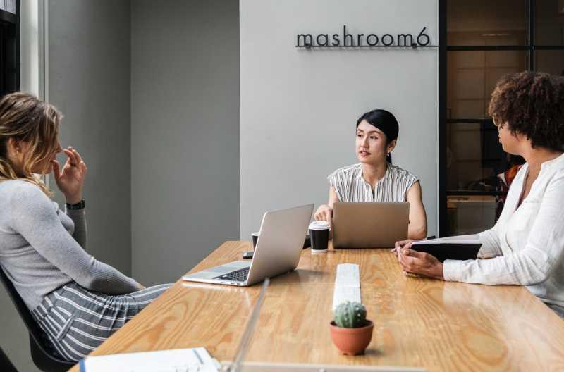 Survei: Hanya Sedikit Atasan yang Konsisten Mengapresiasi Karyawan