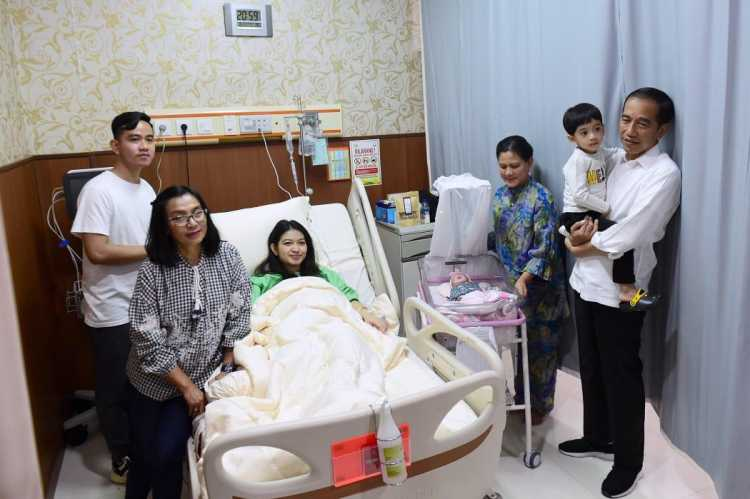 Baru Lahir Cucu Ketiga Jokowi Jadi Trending Topic