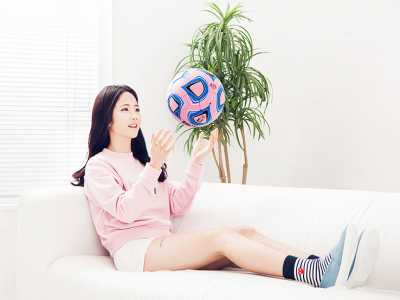 Mirip Artis K-Pop, Wanita Ini Malah jadi Pemain Bola