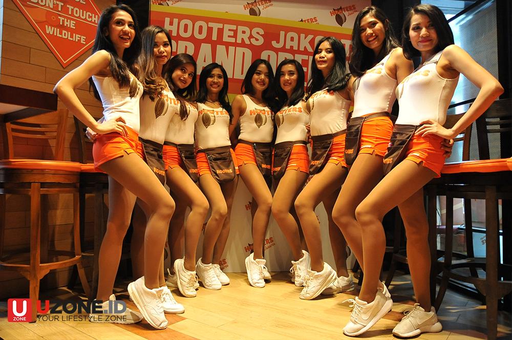 Hooters Buka Gerai Pertama di Jakarta