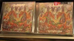 CD Vladvamp dipajang di salah satu booth / © Ari Setiyawan