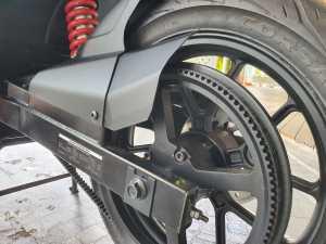 Bagian belt untuk menggerakkan roda dari motor listrik (Bagja - uzone.id)