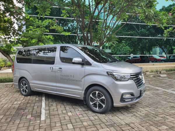 VIDEO Hyundai H-1 CRDi Royale Buat Liburan, Rasa Hotel Berjalan?