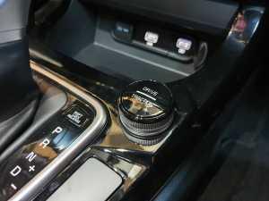 Tuas mode berkendara yang mneyediakan 6 pilihan mode, Normal, Eco, Sport, Mud, Sand, juga Snow (Bagja - Uzone.id)
