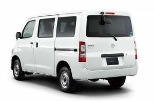 Di Jepang dijadikan mobil komersil.