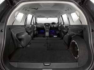 Kabin Dakar Rockford Fosgate Edition menggunakan warna full black. (MMKSI)