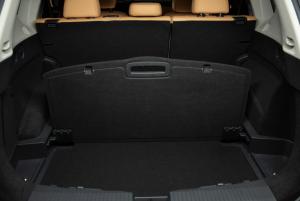 All New Nissan X-Trail atau Rogue menawarkan 5-seats dan bisa dibeli konsumen pada akhir 2020 dengan harga sekitar USD25 ribu atau Rp353 juta (kurs (Rp14.100 per USD1)