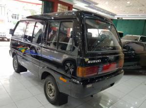Suzuki Carry 1000 pakai mesin F10A bertenaga 44 hp dan torsi 75 Nm.