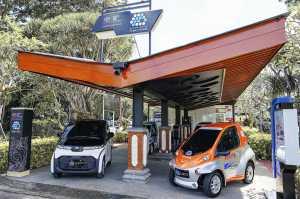 Stasiun pengisian listriknya ada yang mengandalkan panel surya (TAM)