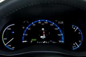 Panel speedometer mengadopsi RAV4