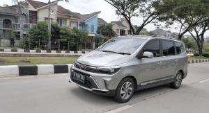 Test Drive Wuling Confero S Facelift