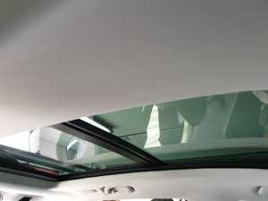 Atapnya 70 persen terdiri dari kaca, karena ada panoramic sunroof (Uzone.id - Bagja)