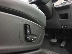 Pengaturan kursi pengemudinya sudah elektrik (Uzone.id - Bagja)