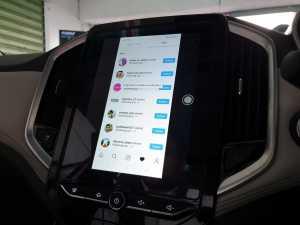 Ini dia yang bikin kabin Wuling Almaz macam smartphone berjalan, karena ada layar sentuh seukuran 10,4 inci (Uzone.id - Bagja)