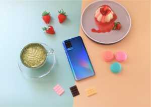 Meluncur hari ini, Senin, 29 Maret 2021, Oppo A54 akan menyasar pengguna muda. Ada banyak pembaharuan yang disematkan di sini, mulai dari desain sampai fitur, khususnya kamera dan performa yang dihadirkan. Termasuk juga dukungan dari sistem operasi ColorOS 7.2.