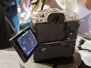 Anggiawan Pratama selaku Marketing Manager Electronic Imaging Division Fujifilm Indonesia bilang, kamera ini memang cocok untuk vlogger dan profesional videografer.