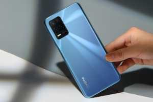 realme 8 5G harga normalnya Rp3199.000.