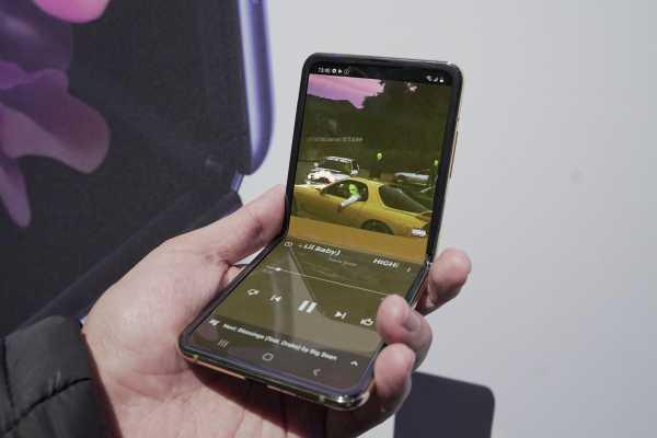 Laporan dari San Francisco: Resmi Diperkenalkan Ponsel Lipat Samsung, Galaxy Z Flip