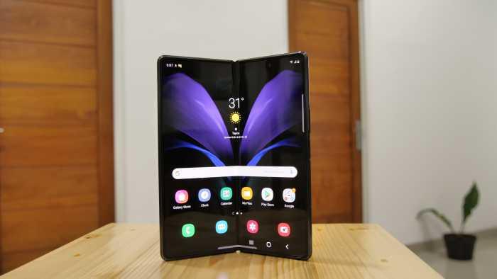 Spesifikasi Galaxy Z Fold 3 Bakal Dipangkas?