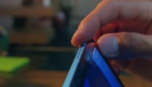 Akhirnya Apple menyingkirkan tombol Home pada iPad Air 4 dan menggantinya dengan Touch ID di bagian atas kanan perangkat.