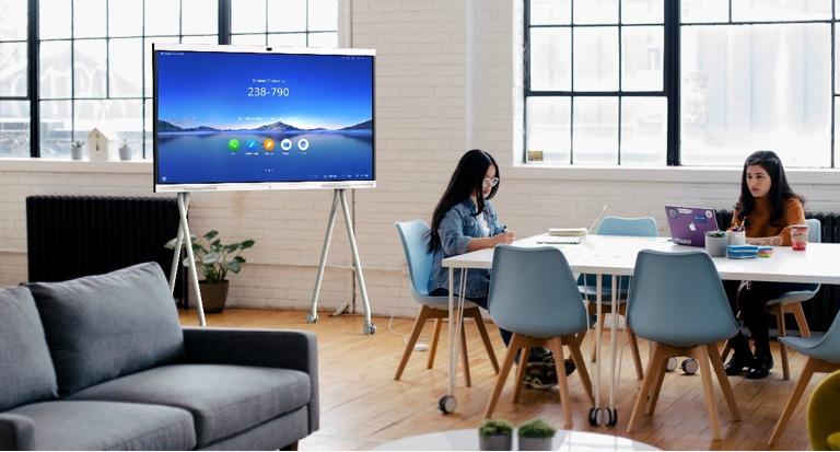 Huawei IdeaHub, Bikin WFH Makin Smart dan Nyaman