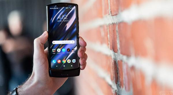 Gak Sampai Dilipat 100 Ribu Kali, Layar Motorola Razr Langsung Rusak