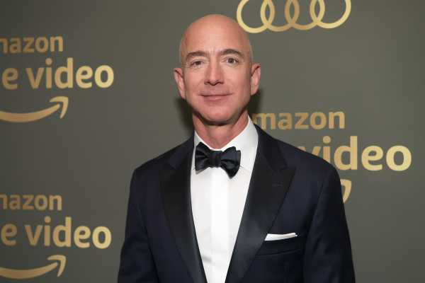 Jeff Bezos Mundur dari CEO Amazon