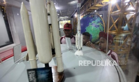 'Bom Waktu' di Planetarium Jakarta