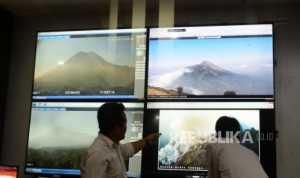 Gunung Merapi Keluarkan Awan Panas Sejauh 950 Meter