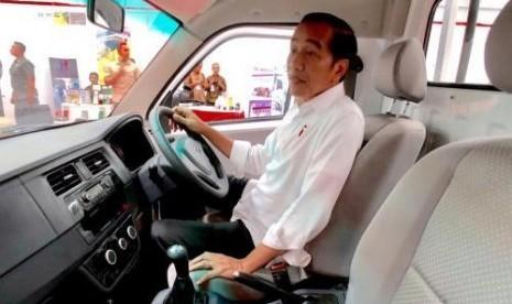 Mobil Esemka Diluncurkan, Apa Kata Jokowi?
