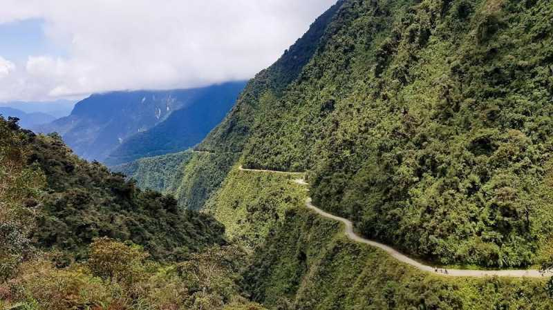 Memacu Adrenalin di Dataran Tinggi Bolivia