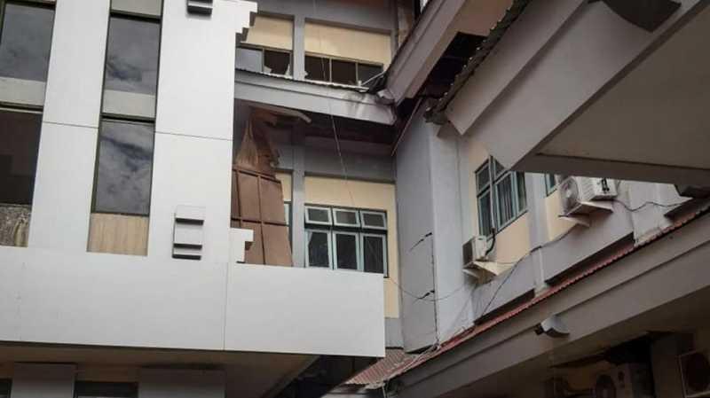 Ambon Diguncang Gempa M 6,8, Warga Ngungsi ke Pegunungan