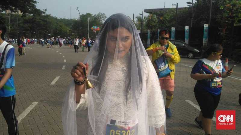 Ketika Ibu Pengabdi Setan Ikut Lomba Lari