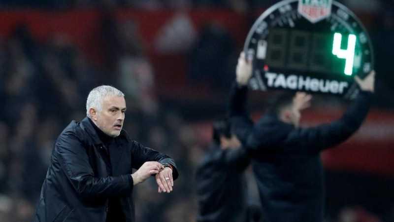 Manchester United Tak Sekadar Butuh Pecat Mourinho