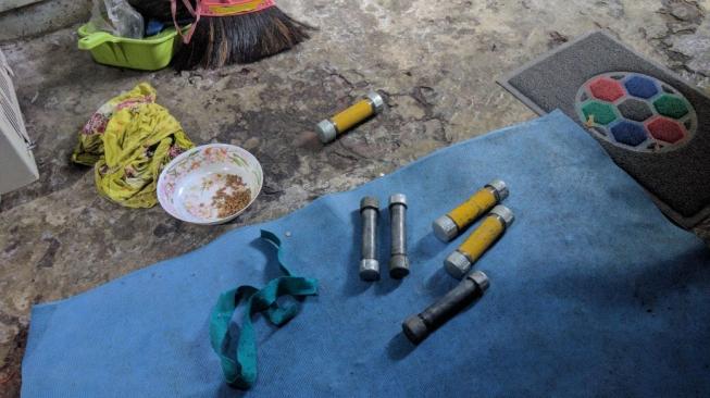 Ada 6 Bom Aktif, Densus 88 Tangkap 4 Terduga Teroris di Sukodono