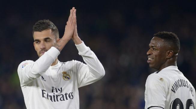 Ceballos Selamatkan Muka Real Madrid di Kandang Betis
