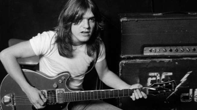 Gitaris AC/DC Meninggal Dunia Akibat Demensia